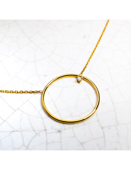 Collier grand cercle fil rond  serti d'un diamant